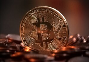 Bitcoin (BTC) stanowi znaczące zagrożenia dla światowej waluty rezerwowej, jakim jest dolar amerykański, zdaniem stratega w jednym z głównych amerykańskich banków partnerskich Morgan Stanley.